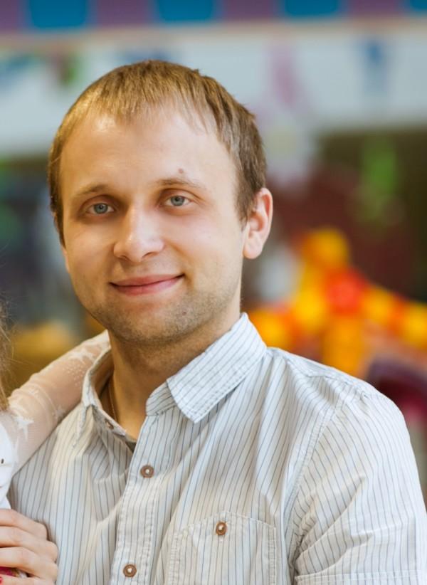 Илья Кострадин
